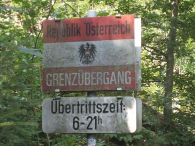 Früher schlichen hier die Schmuggler über die grüne Grenze nach Österreich.