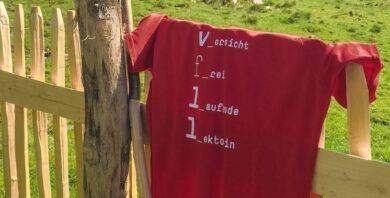 rotes t-shirt lektorenverband